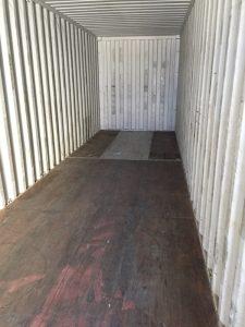 réparation d'un plancher de conteneur maritime